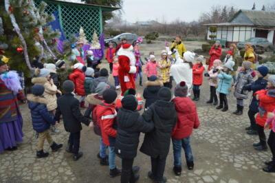 Новогодний праздник с Дедом Морозом в Эколого-биологическом центре